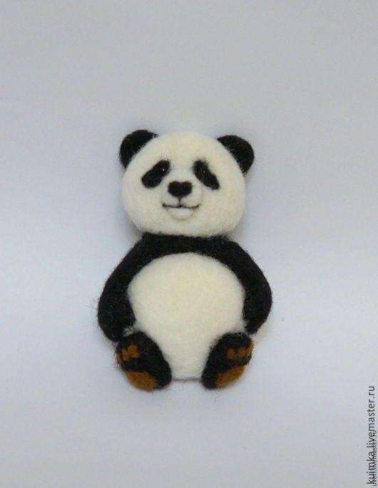 Купить Брошь валяная Панда - чёрно-белый, брошь из войлока, валяные броши, броши валяные