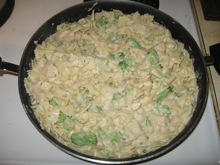 Chicken Alfredo and Broccoli :     1 Box of Bowtie Pasta,    2 Jars of Ragu Alfredo Sauce ,   1 1/2 lbs Boneless Chicken Breast,     16 oz. bag of Broccoli Cuts.        Prepare Pasta according to box instructions. Cut chicken breasts into small cubes. Brown in skillett and season to taste with salt, pepper, garlic, and seasoned salt. Chop broccoli into smaller pieces if desired and throw into skillet to cook with chicken when its about done.  Add pasta and Alfredo sauce and heat until sauce…