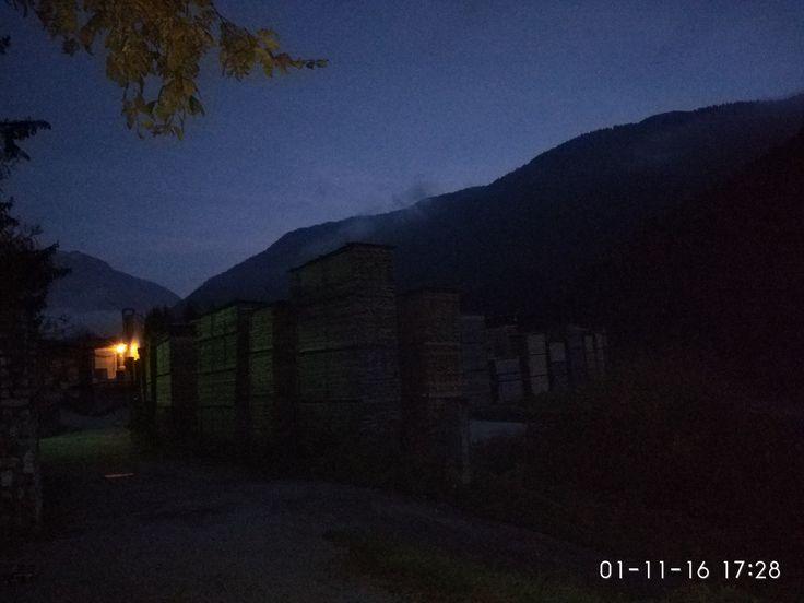 Una luce in mezzo alle tenebre #fun #divertimento #dark #buio #mountain #montagna  #lastanzadibulga