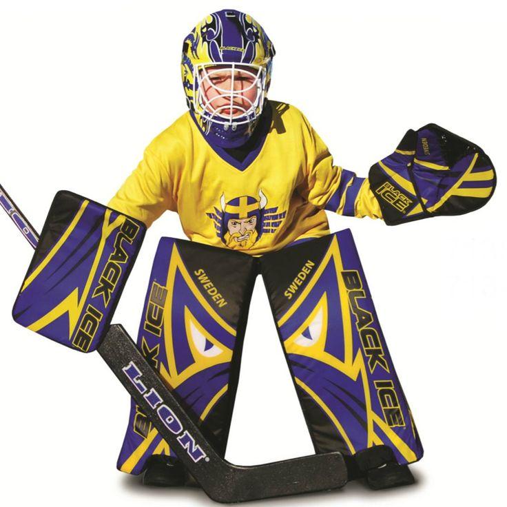 Street Hockey målvaktsmask för barn.  Denna mask är avsedd för spel med mjukboll eller street hockey puck.  Fakta Justerbart spänne. Färg: Blå/Gul.