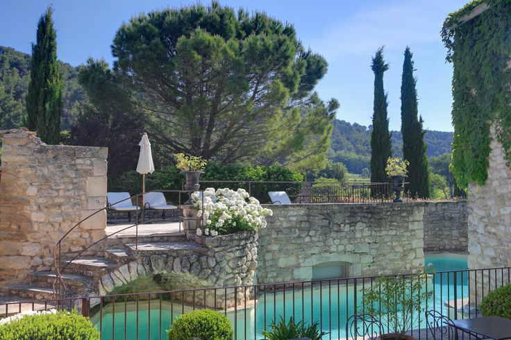 Vineyard hotel France - Bastide de Marie : luxury property with hotel services in Provence (France)