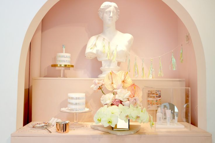 Shopping at the Glossier Showroom in NYC (New York Lafayette Street)