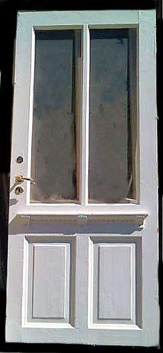 I sveitserperioden kunne dørene ha innslag fra andre stilretninger som historismen