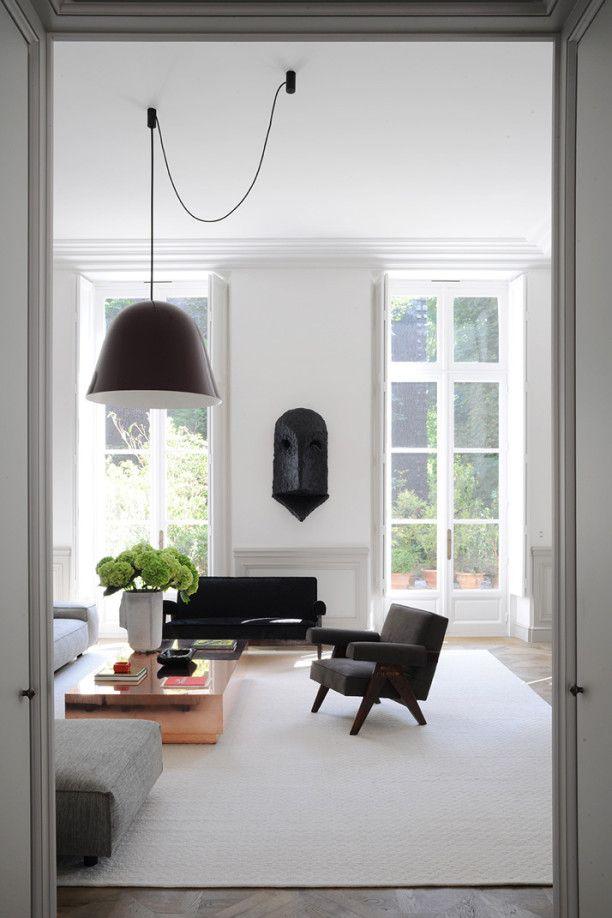 Black and white in A Private Apartment by Joseph Dirand In Saint-Germain-des-Prés, Paris, France #blackandwhite