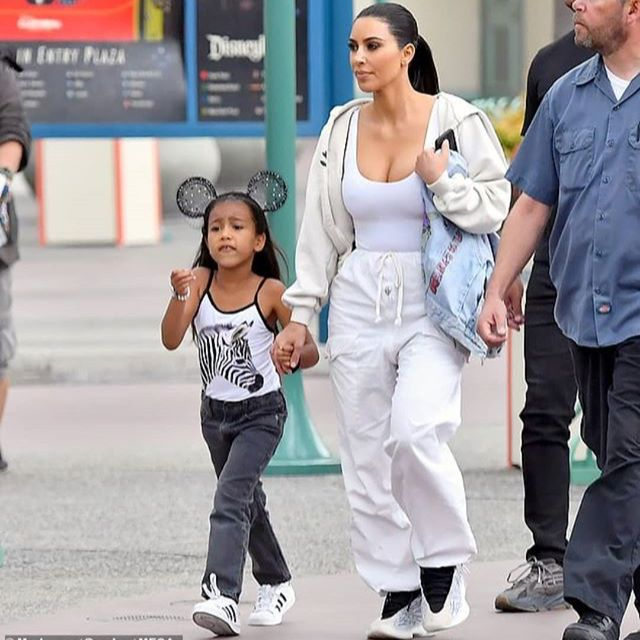 Pin By M A R On Kim Kardashian Kim Kardashian North West Outfits Kardashian Kids