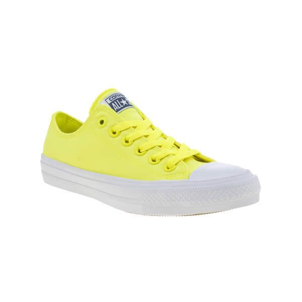 Converse Yellow Chuck Taylor All Star Ii Neon Trainers ($72) ❤ liked on Polyvore featuring shoes, sneakers, yellow, star shoes, elastic shoes, neon sneakers, converse footwear and yellow sneakers