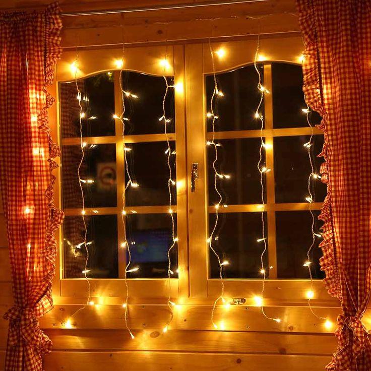 #LED #Lichtervorhang 1,3x1,3 m mit 80 LED für die #Weihnachtsdekoration von #Fenstern oder für Wände. #Weihnachtsdekoration #Fensterdeko