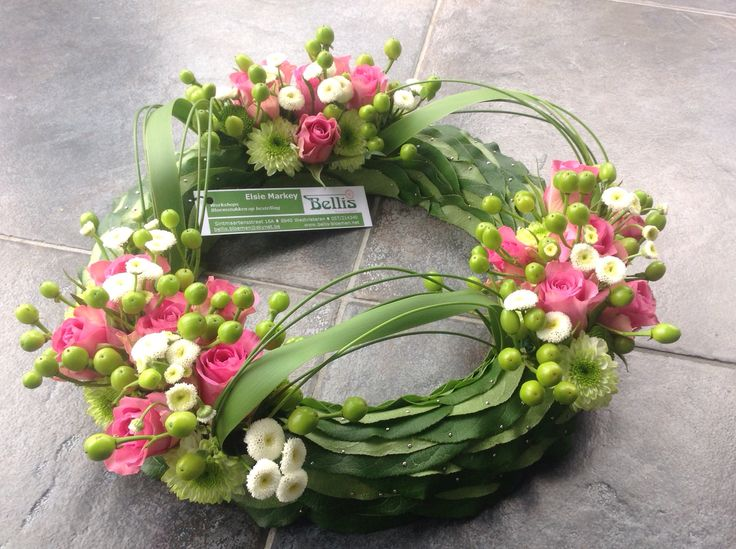 Funeral wreath ~ made and uploaded by Bellis Bloemen (Westvleteren)