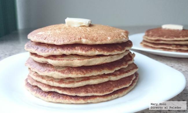 Yo sé, que muchos de ustedes están en busca de reducir harinas y grasas en su alimentación, si NO es tu caso te dejamos estos hotcakes rellenos de chocolate,...