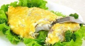Нежное и вкусное рыбное филе под сырной шапочкой - это как раз то, что нужно для необычного и вкусного ужина. Кстати, эту же рыбку можно подать гостям на праздник.