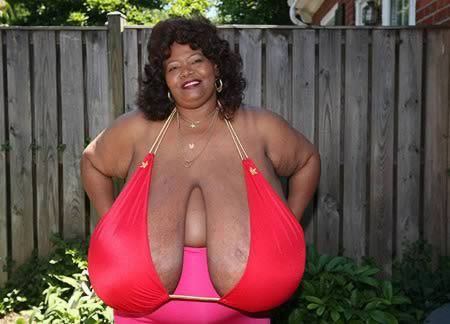 Norma Stitz has the Biggest Natural Breasts in the world and also the owner of the largest bra. Her bra size was 48V. Each breast weighed 28 pounds and she weighed 270. Since then her breasts have grown to 72ZZZ and she tops the scale at 345 pounds. ------- aaaah, can you say back problems