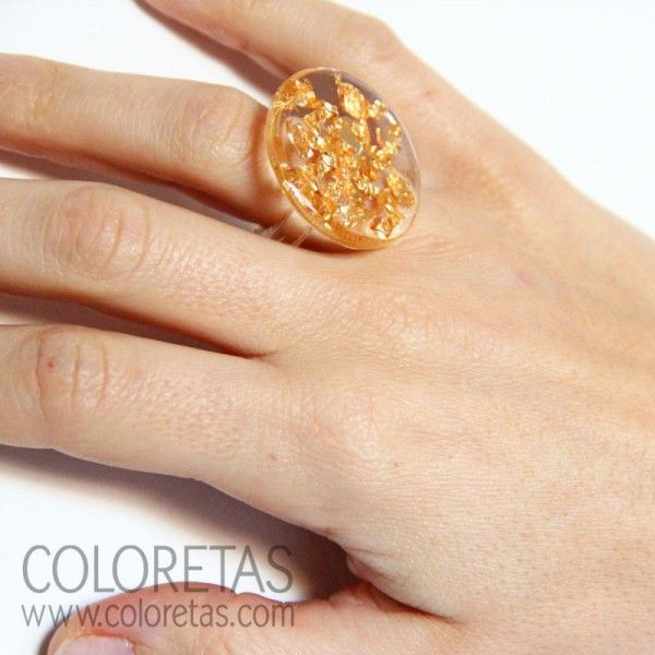 Golden Flakes ring with resin ring available in two measures (6 & 8) - Anillo chispas con aro en resina transparente disponible en dos medidas (6 y 8)