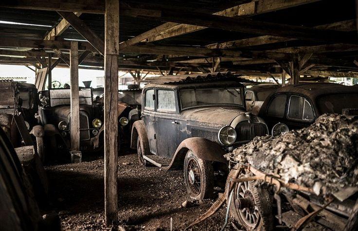 Los hallazgos más alucinantes de coches clásicos descubiertos en graneros | Retro Cars Spain alquiler de coches clasicos para bodas y eventos