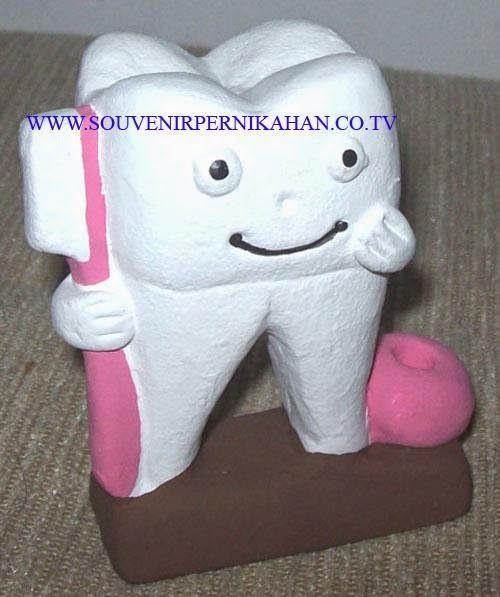 souvenir tempat pensil berbentuk gigi khas jogjakarta