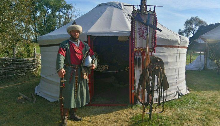 Early Magyar display