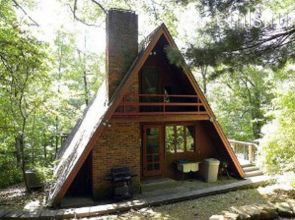 house hut photo