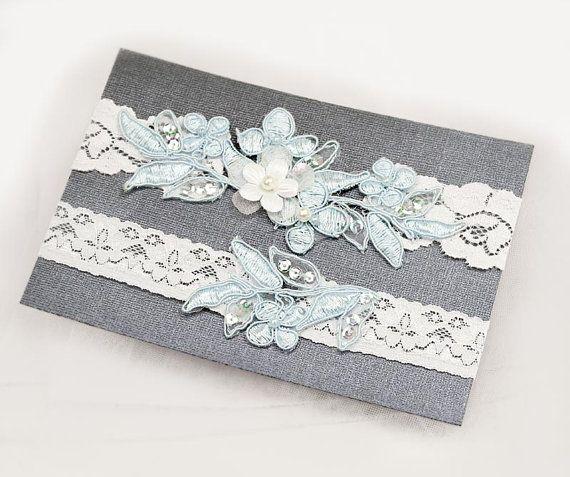 Leichte blaue Perlen Lace Hochzeit Strumpfband von Kimsically