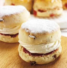 another thing you can't live in England without having now and then... scones with jam and clotted cream :)
