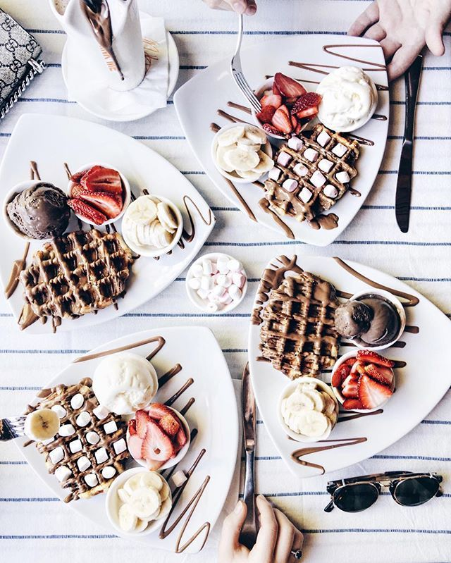 Waffles with friends