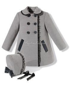 Abrigo con capota gris
