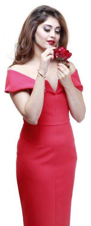 bollywoodmirchitadka: Actress Surabhi Awesome Look Photos