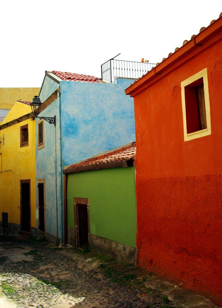 Bosa colors #bosa #sardegna #sardinia #colors #borghiitaliani #borghi #travel #italy #italia Foto di Fiammetta53