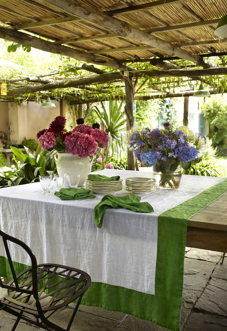 #bellora #lifestyle #madeinitaly #tablecollection #gardening #summer #flower