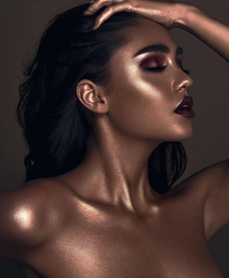 Dramatic highlight editorial makeup