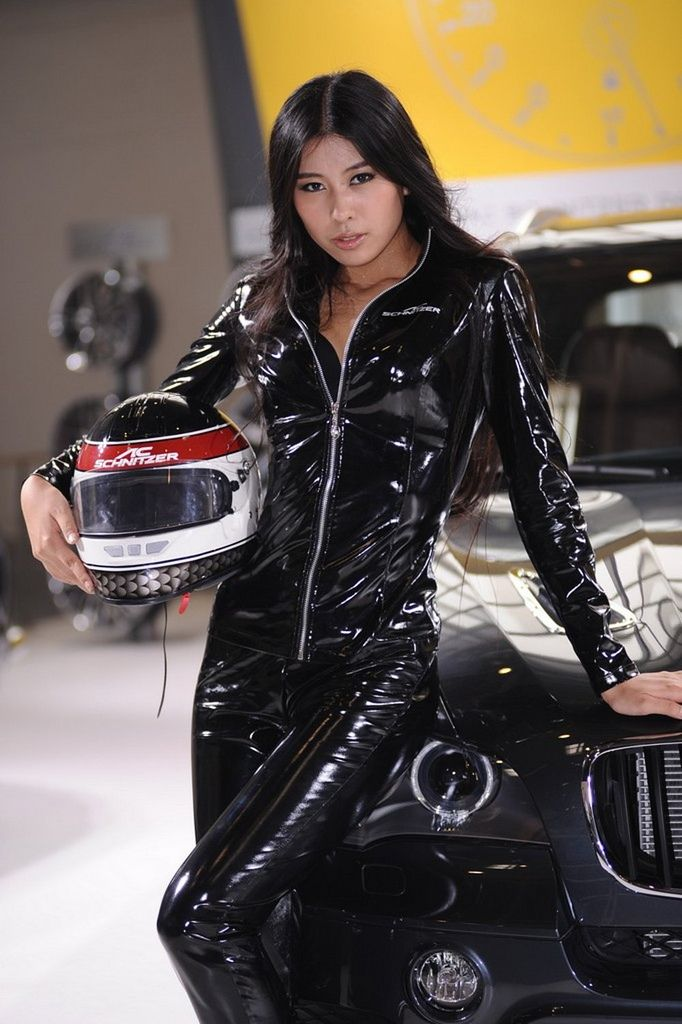 35 Best Promotional Models Asian Girls In Shiny