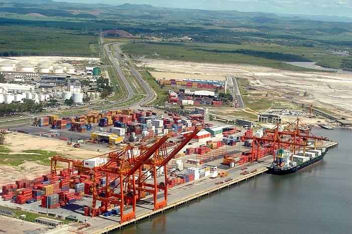 Complexo portuario brasileiro movimenta atualmente 800 milhoes de toneladas\ano