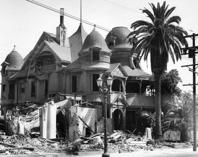 Laws That Shaped L.A.: How Bunker Hill Lost its Victorians