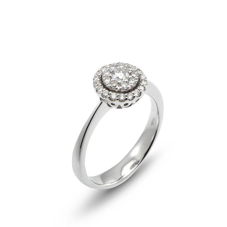 artemide collection White gold and diamond ring #pontevecchiogioielli #diamondring #engagementring