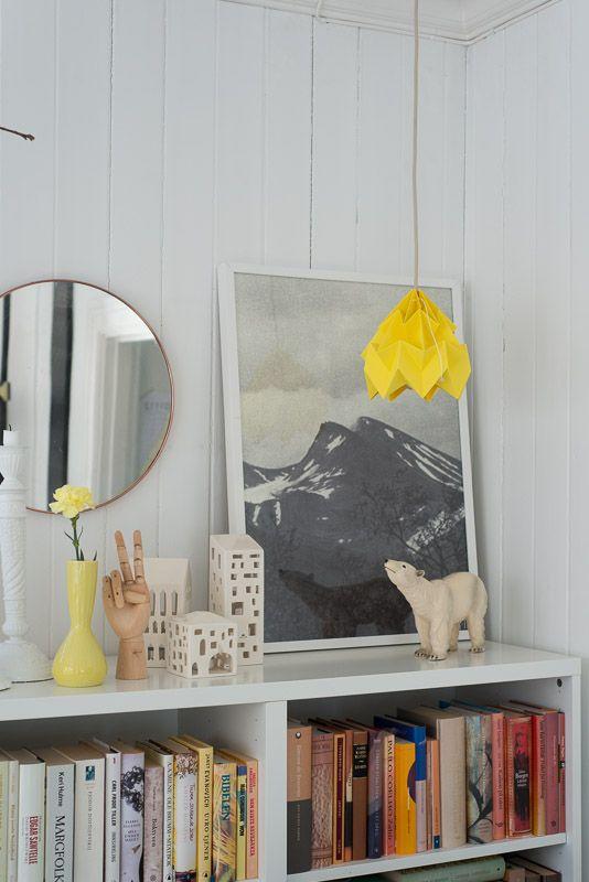 Book organization, mirror, table styling