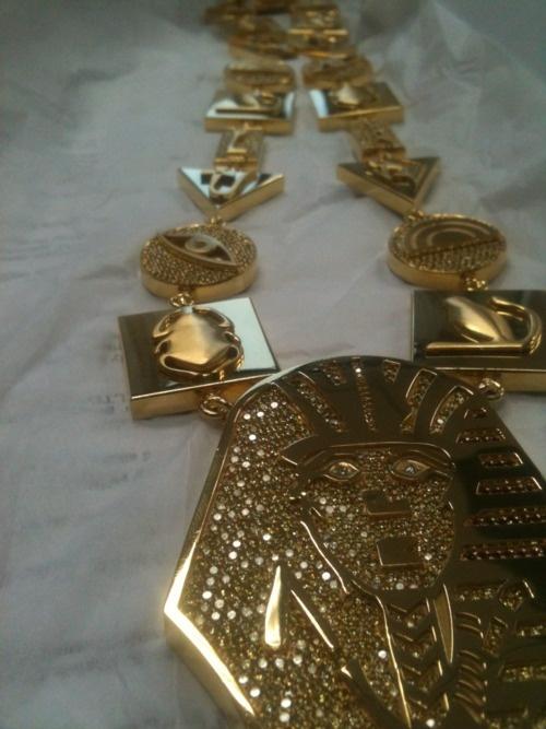Last kings crewneck gold