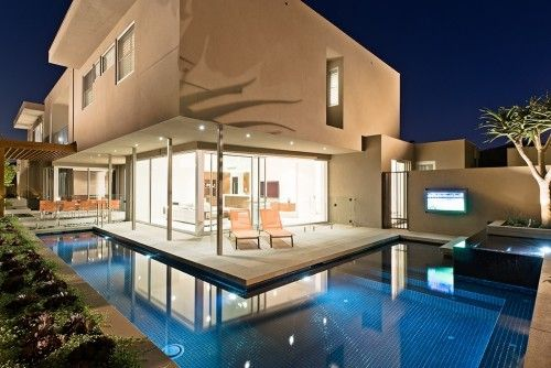 L shaped pool COS Design
