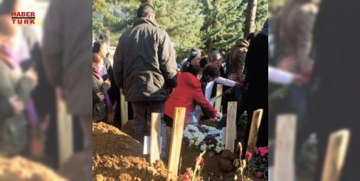 Din görevlisi tacize göz yuman annenin o isteğini geri çevirdi! : Öğrenci yurdunda intihar eden 23 yaşındaki Senem B. dün toprağa verildi. Cenazeye Senem gibi babasının tacizine uğrayan kız kardeşiyle annesi de katıldı. Annenin Yüzünü son kez göreyim isteği din görevlisi tarafından geri çevrildi  http://www.haberdex.com/turkiye/Din-gorevlisi-tacize-goz-yuman-annenin-o-istegini-geri-cevirdi-/117047?kaynak=feed #Türkiye   #geri #Senem #vlisi #kardeş #kız