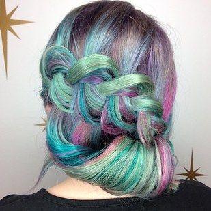Cambia el color de tu cabello de forma radical. | 14 Experiencias extremas de belleza que debes hacer (por lo menos) una vez en tu vida