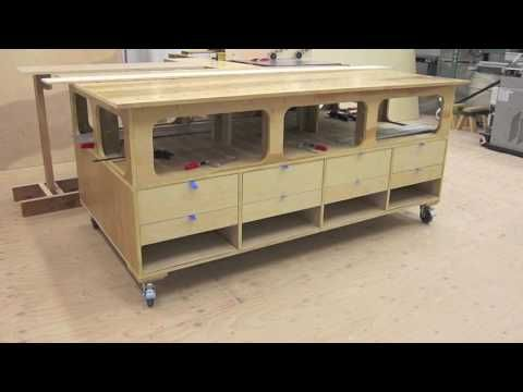 DIY sliding table panel saw - YouTube