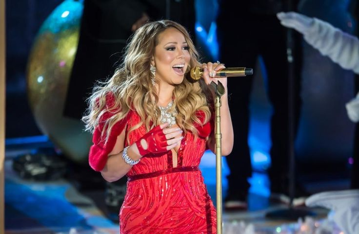 So everyone is going in on Mariah Carey due to her performance at the Rockefeller Christmas Tree lighting. Long story short, she can't seem to hit the high notes anymore. My predictions for Mariah Carey... #MariahCarey #psychic