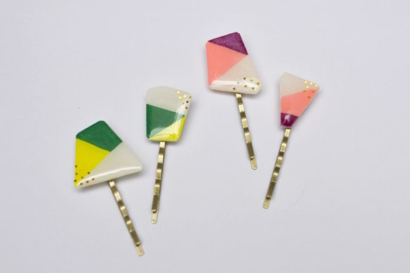 coloful hairpins