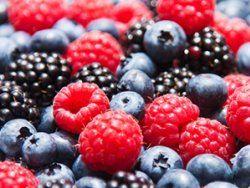 Obst enthält Fruchtzucker und ist ein wichtiger Bestandteil unserer Ernährung. Dennoch sollte man beim Verzehr einige Dinge beachten: Vorsicht, Fruchtzucker – was Sie über Obst wissen sollten | http://eatsmarter.de/blogs/ingo-froboese/vorsicht-fruchtzucker