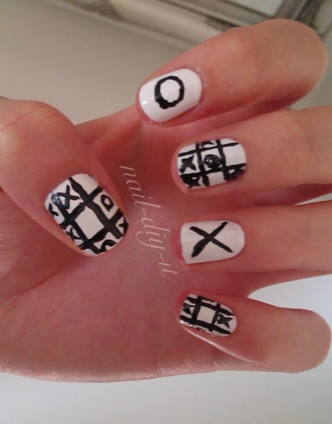 Tic Tac Toe Nails