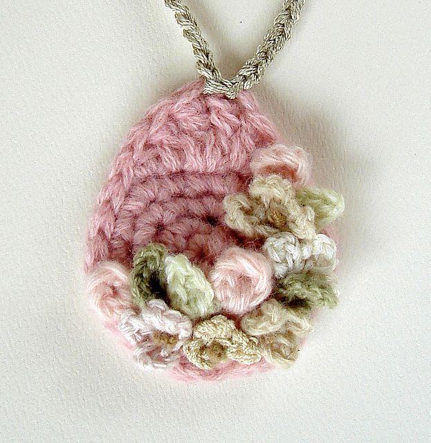 Crochet Pink Flowers Pendant Necklace