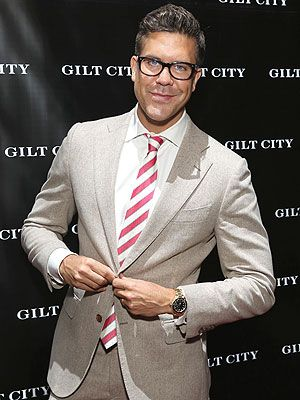 Baby Girl on the Way for Million Dollar Listing New York's FredrikEklund http://celebritybabies.people.com/2015/04/15/fredrik-eklund-expecting-daughter-milla-surrogate/