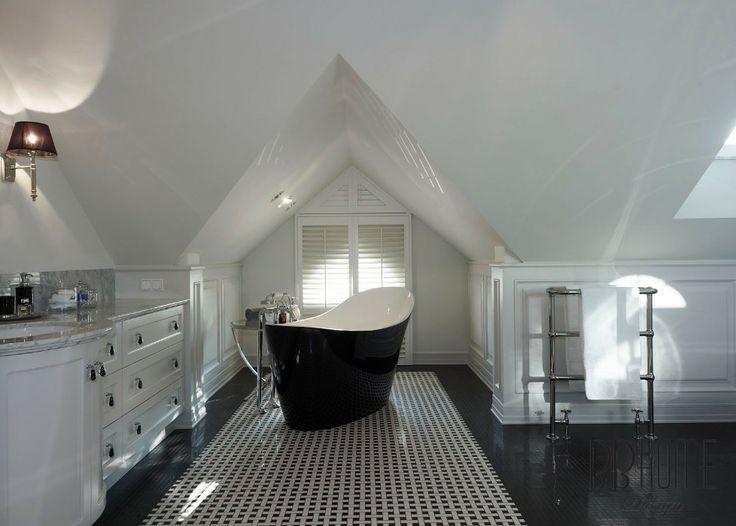 Do łazienki wybraliśmy futurystyczną wannę.
