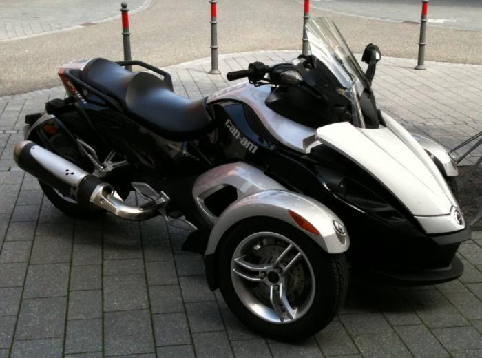 2010 #CAN-AM SPYDER  RS F1 - #Bike for sale on #AutoTraderUAE  More details: http://www.autotraderuae.com/bike/2010-can-am-spyder-rs-f1/other-manufacturer/4587/