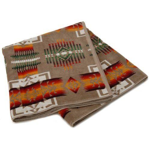 ペンドルトン Pendleton タオルブランケット オーバーサイズジャガードタオル XB233-53268 アメリカントレジャー Oversized Jacquard Towels American Treasures 大判 バスタオル タオルケット インテリア [並行輸入品]