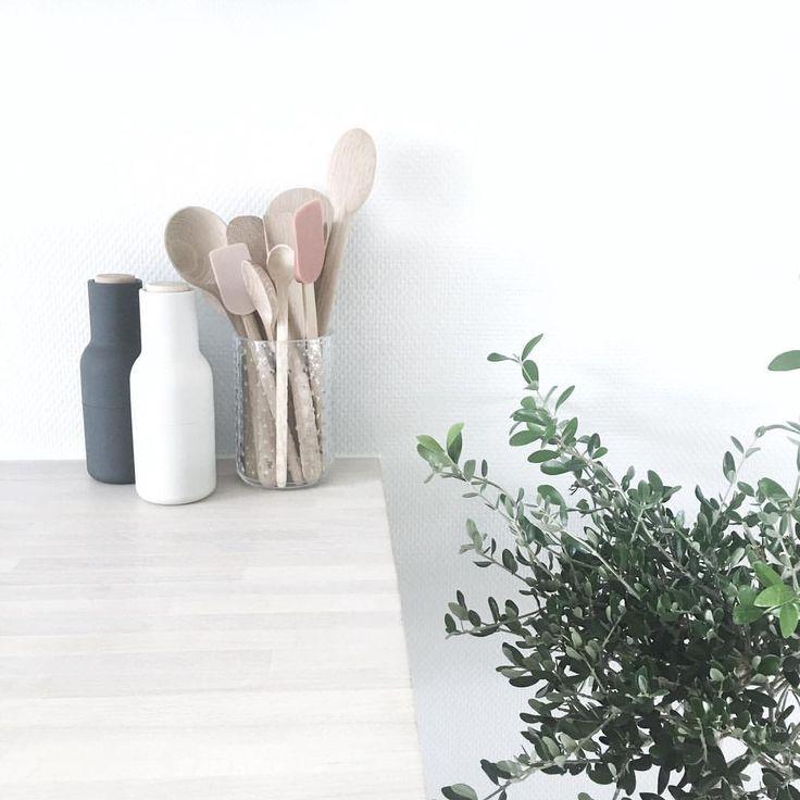 """45 Synes godt om, 5 kommentarer – Home of a Single Mom (@homeofasinglemom) på Instagram: """"Der er kommet nyt udstyr i køkkenet 👌🏻😄 Nye lækre køkkenredskaber i træ fra @rig_tig 😍 Smukke, og i…"""""""