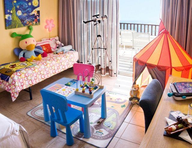 #hotel para niños con decoración #Imaginarium visto en Mamás viajeras