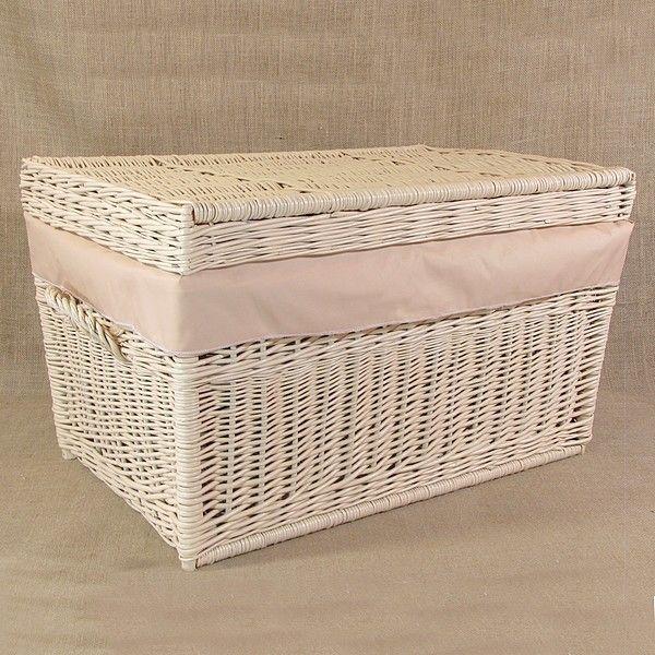 Wiklinowy kufer z płaskim wiekiem - kremowy obszyty materiałem w kol. cappucciono